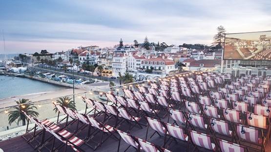 CINE SOCIETY   CINEMA AO AR LIVRE NO TOPO DO HOTEL BAÍA EM CASCAIS - Já imaginou ver cinema ao ar livre no topo de um hotel? Se nunca tinha imaginado