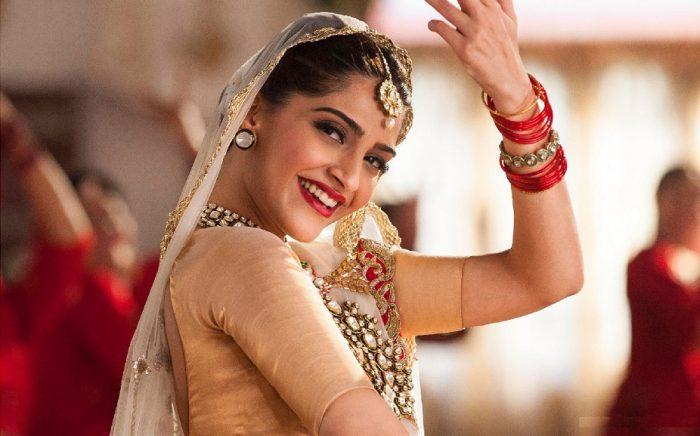 O Museu do Oriente dedica os domingos de Agosto ao cinema de Bollywood, com a exibição de quatro filmes representativos da indústria cinematográfica indiana contemporânea, nos dias 4, 11, 18 e 25, às 18h00. A entrada é gratuita.