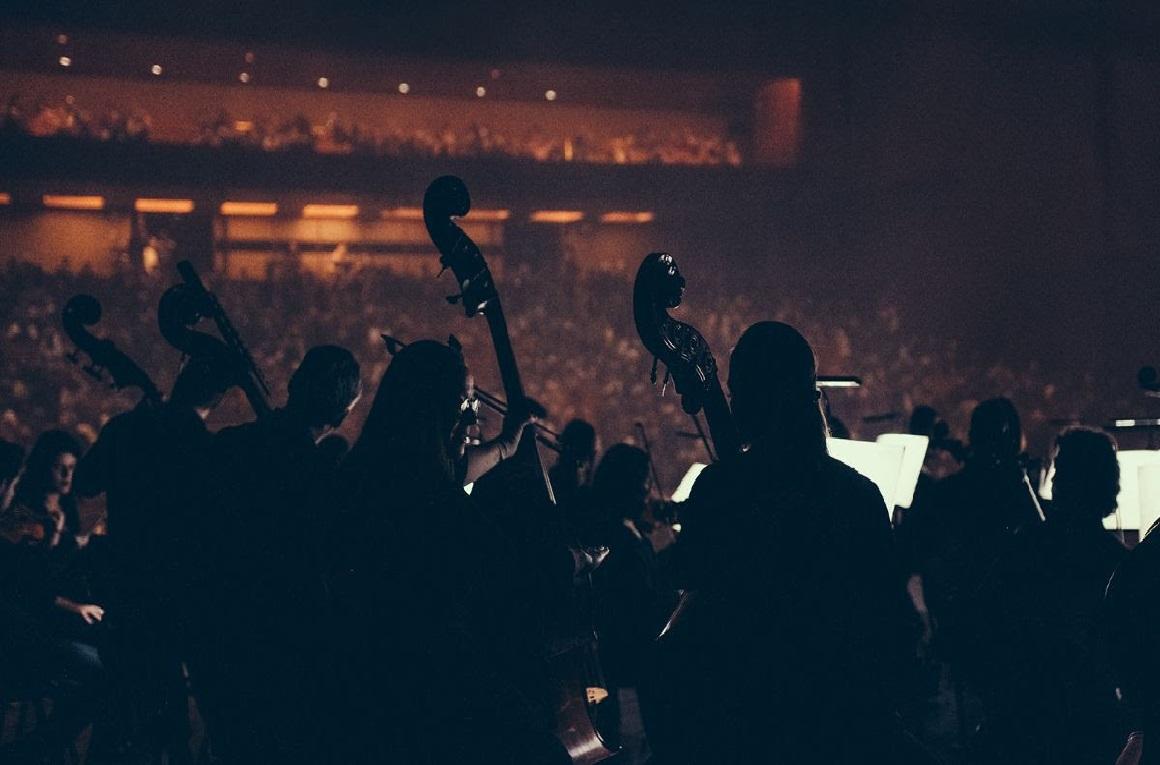 A Música continua na Gulbenkian! É verdade, é tempo de ficar em casa, mas a Gulbenkian Música vai continuar a levar a música até ao seu público, disponibilizando o livre acesso a uma vasta oferta deconteúdos online.